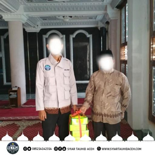 Proses Penyaluran Iftar Infaq Pendengar Radio Syiar Tauhid Aceh 96,1 FM Ramadhan 1439 H/ 201 M di Salah-satu Masjid di Banda Aceh/ Aceh Besar